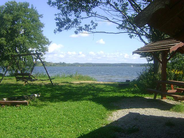 Plaża nad jeziorem Święcajty we wsi KAL