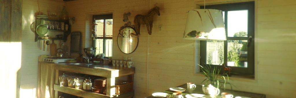 Domki z bali drewnianych na Mazurach, Kal
