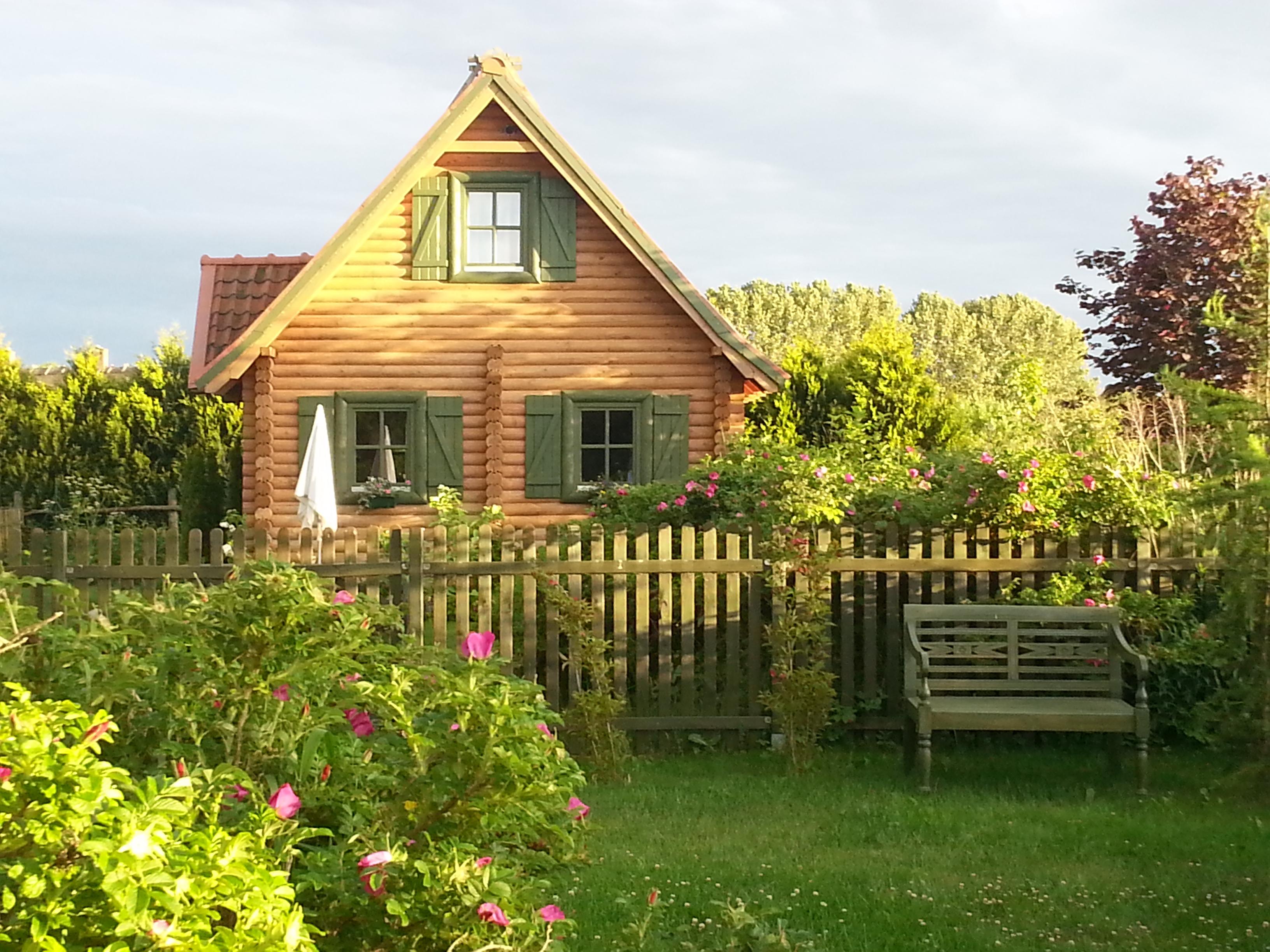 Domki letniskowe na Mazurach, mały domek w miejscowości Kal nad jeziorem Święcajty