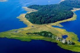 Wyspa Upałty na jeziorze Mamry
