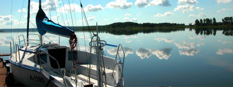 Łódką lub kajakiem po jeziorze Święcajty