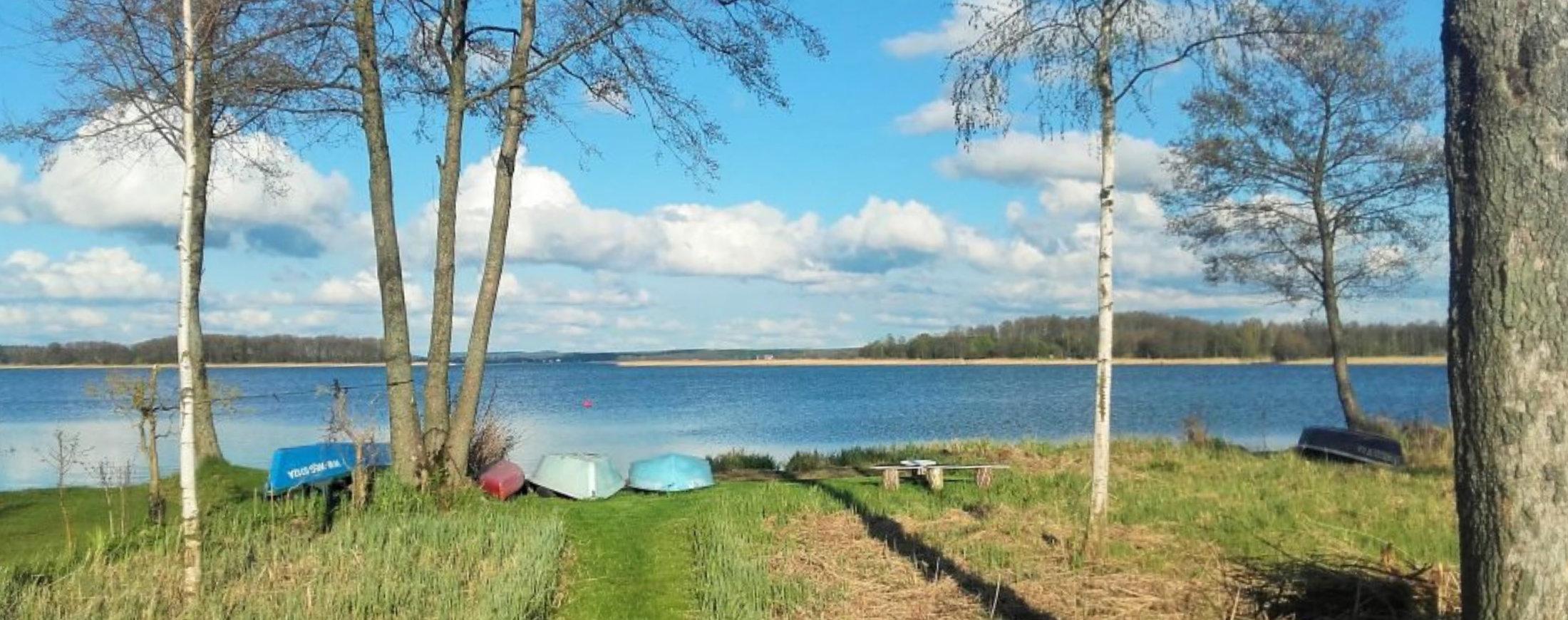 Wiosna nad jeziorem Święcajty